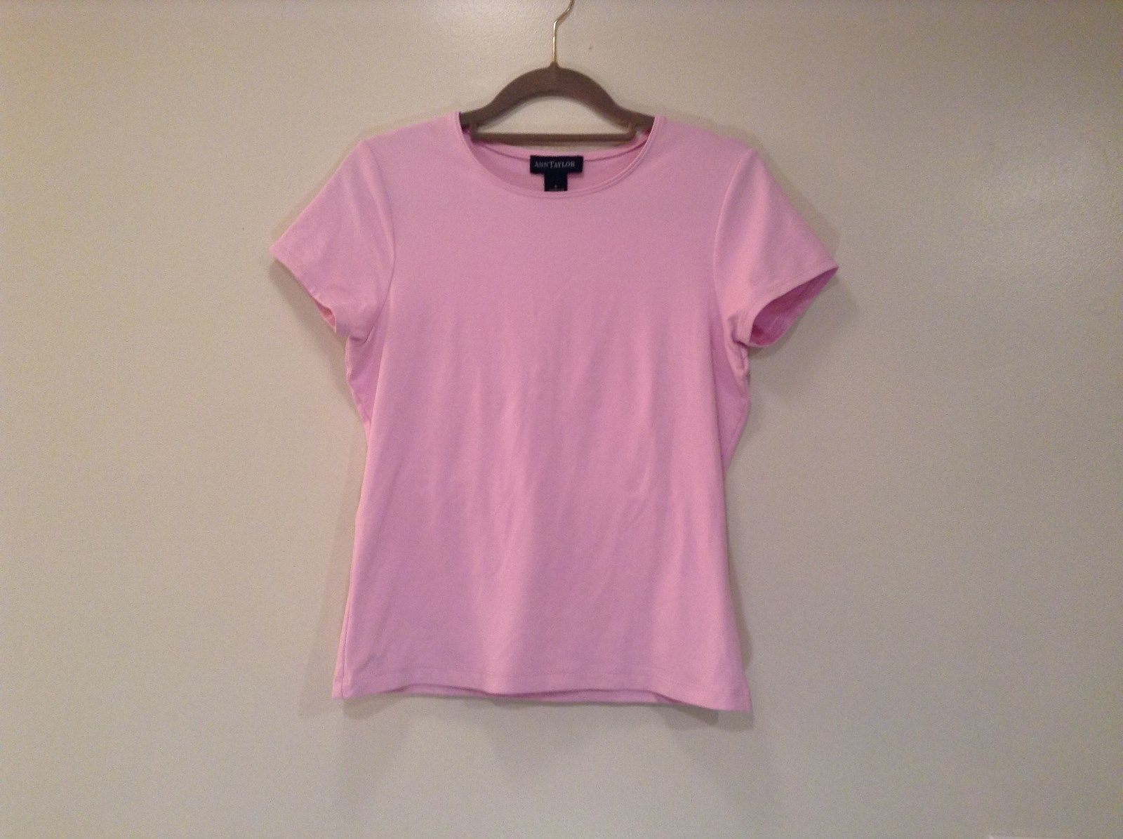 Light Pretty Pink Short Sleeve Ann Taylor Size Small Top Scoop Neckline