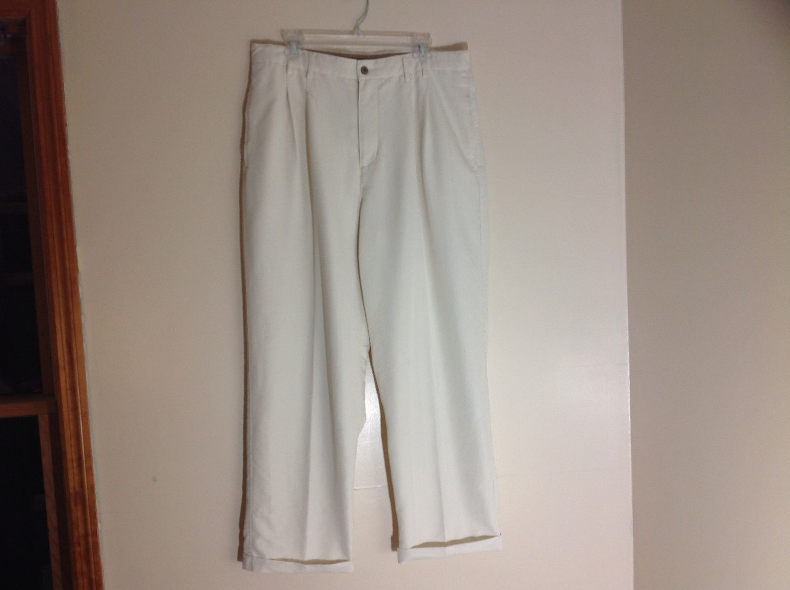 Havana Jack's Cafe White Pleated Dress Pants Cuffs on Pant Legs Size 36 by 30
