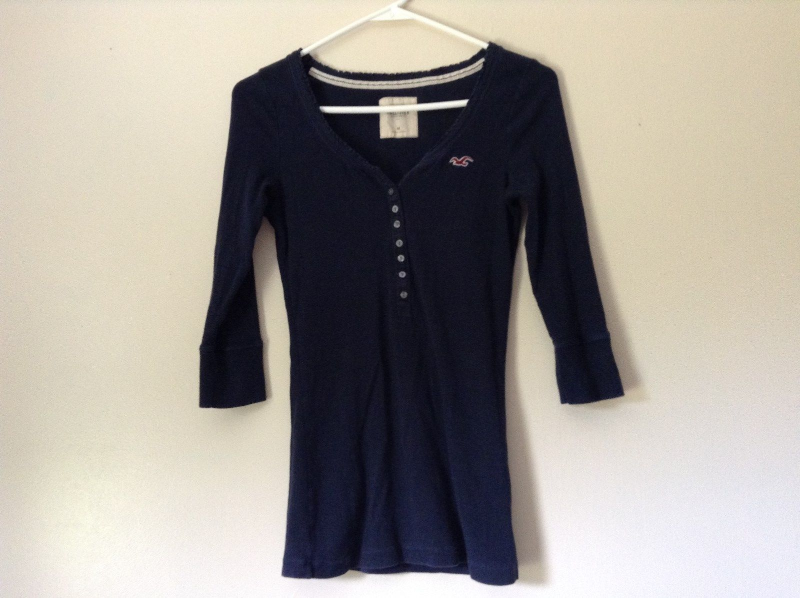 Hollister Size M Navy Blue Three Quarter Length Sleeves Shirt Buttons at Neck