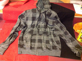 Hoodiebuddie Hoodie w Built In Ear Buds Gray Black Check Pattern Mens Medium M
