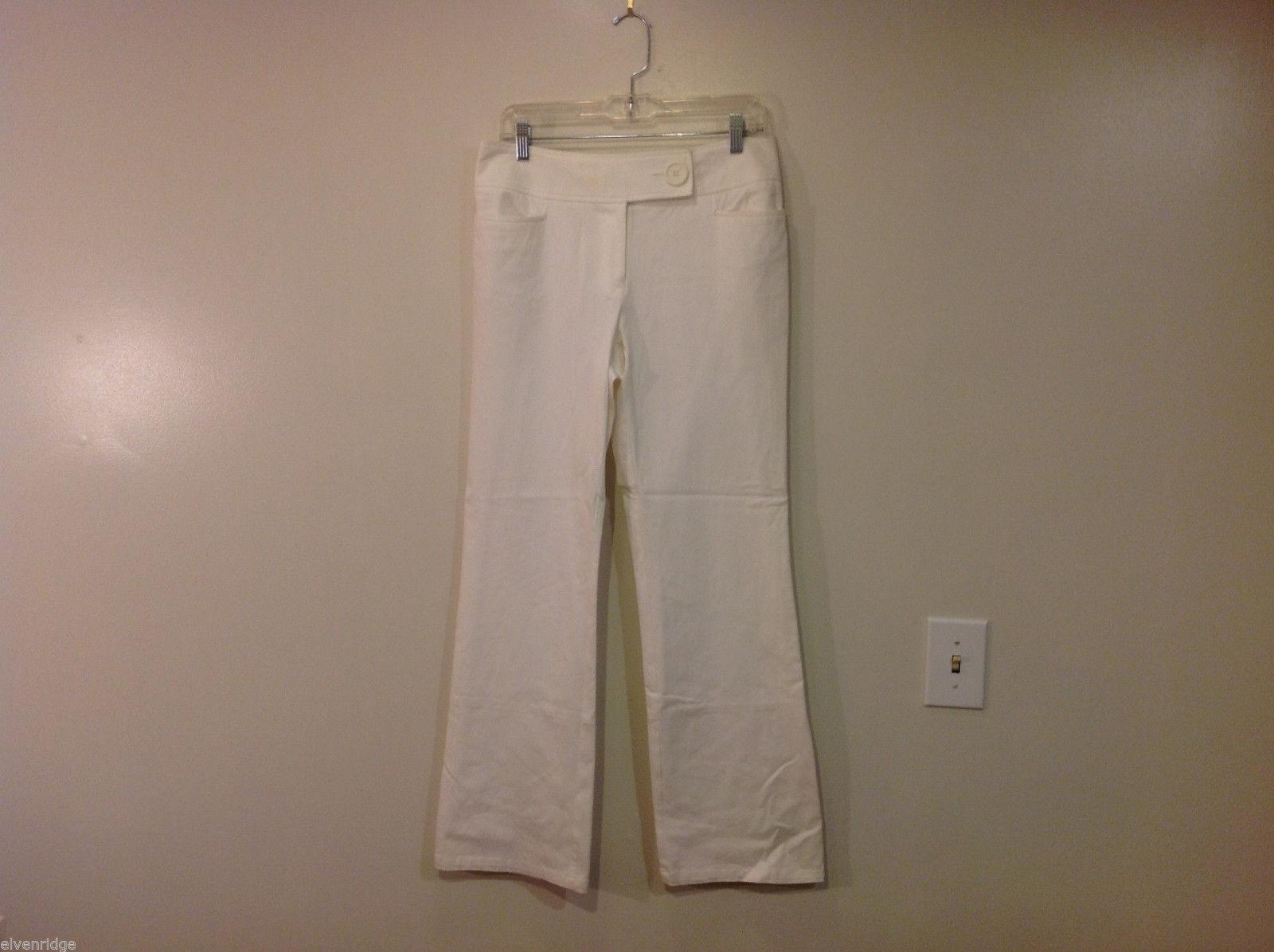 INC International Concepts White Ladies Pants Wide Belt, Size 6