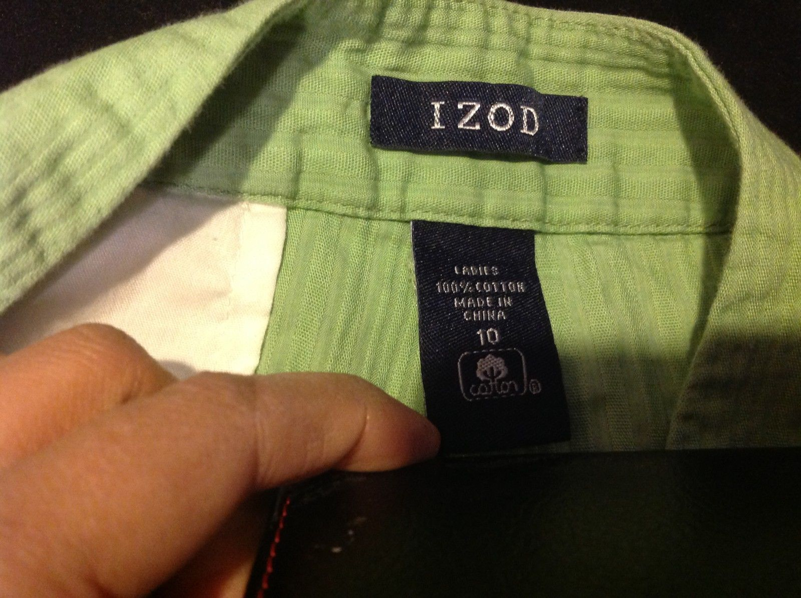 IZOD Ladies Three Quarter Length Green Colored Pants Size 10