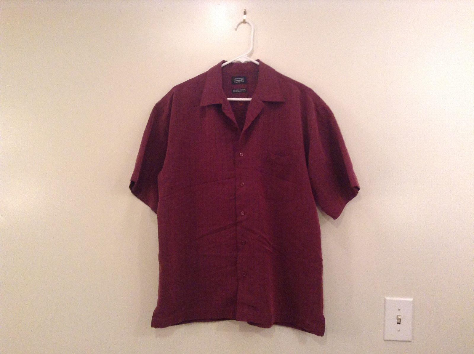 Maroon with Light Visible Plaid Pattern Short Sleeve Haggar Shirt Size Medium