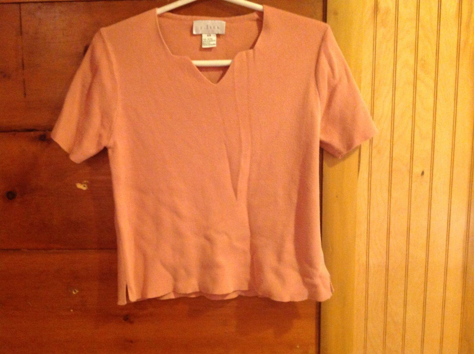 J Jill Size XS 100 Percent Cotton Light Peach Salmon Short Sleeve V Neck Shirt