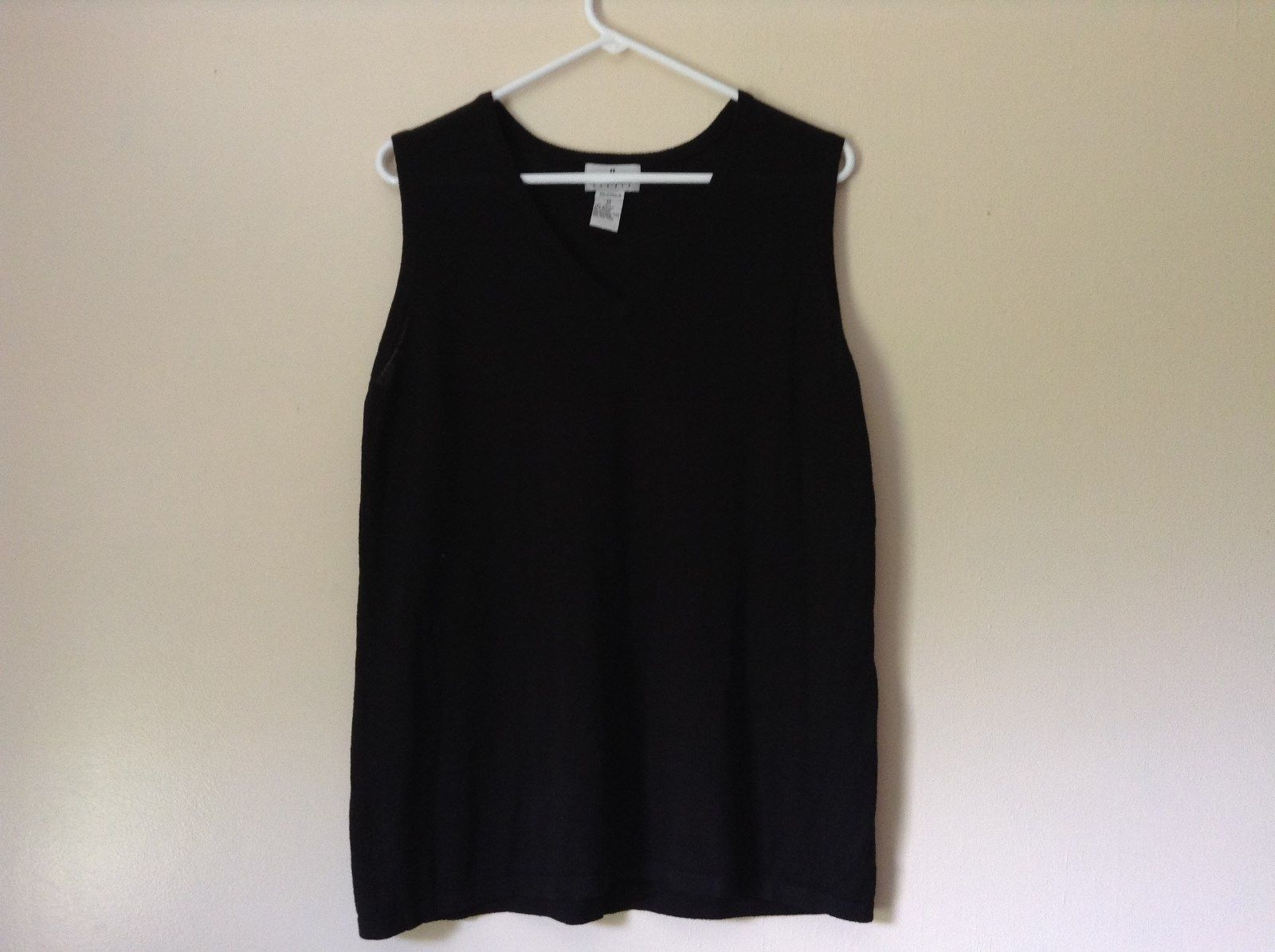 J L Studio Black Sleeveless V Neck Top Size 1X Two Piece