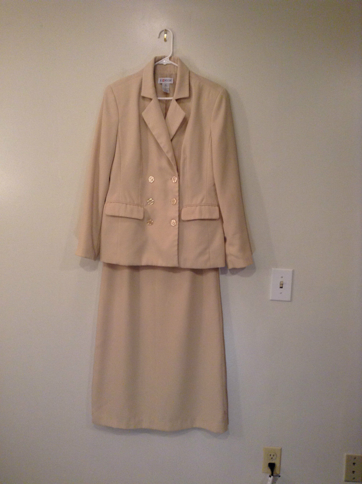 J G Hook Jacket and Skirt Set Size 8 Cream Fully Lined 100 Percent Polyester