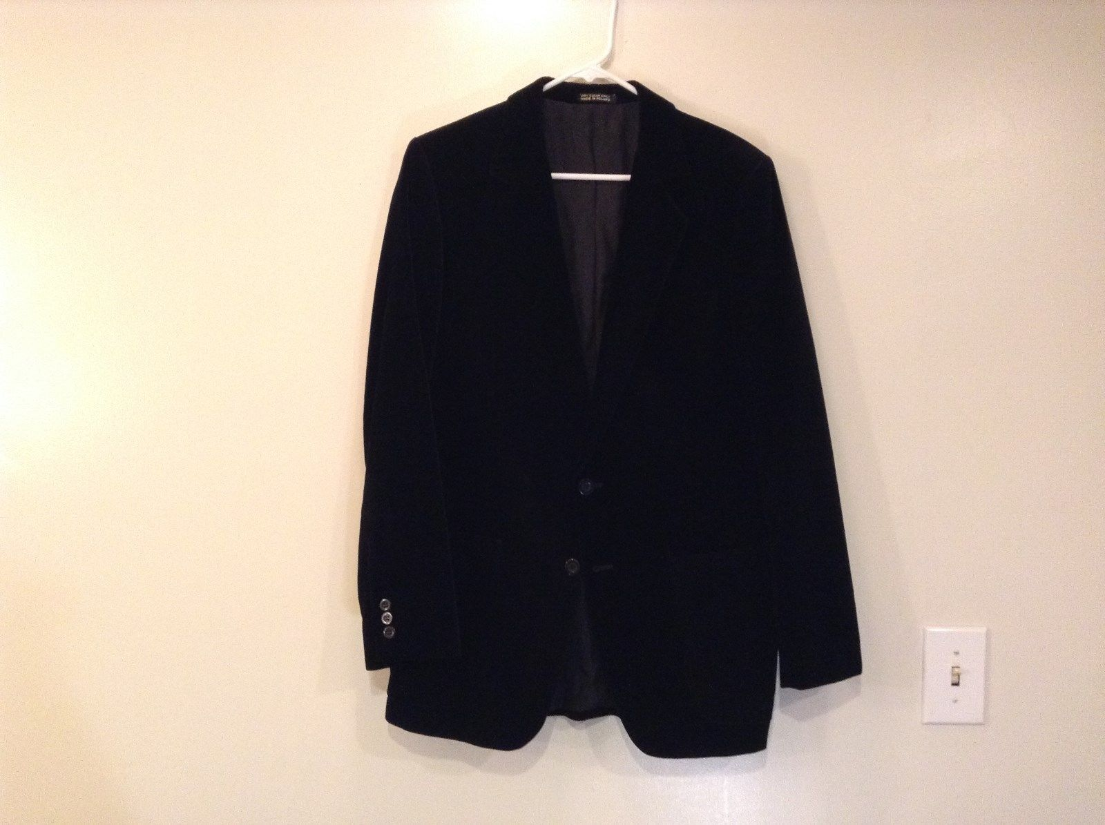 Jaguar Black Velvet Two Button Closure Two Front Pockets Blazer Jacket Size 38R