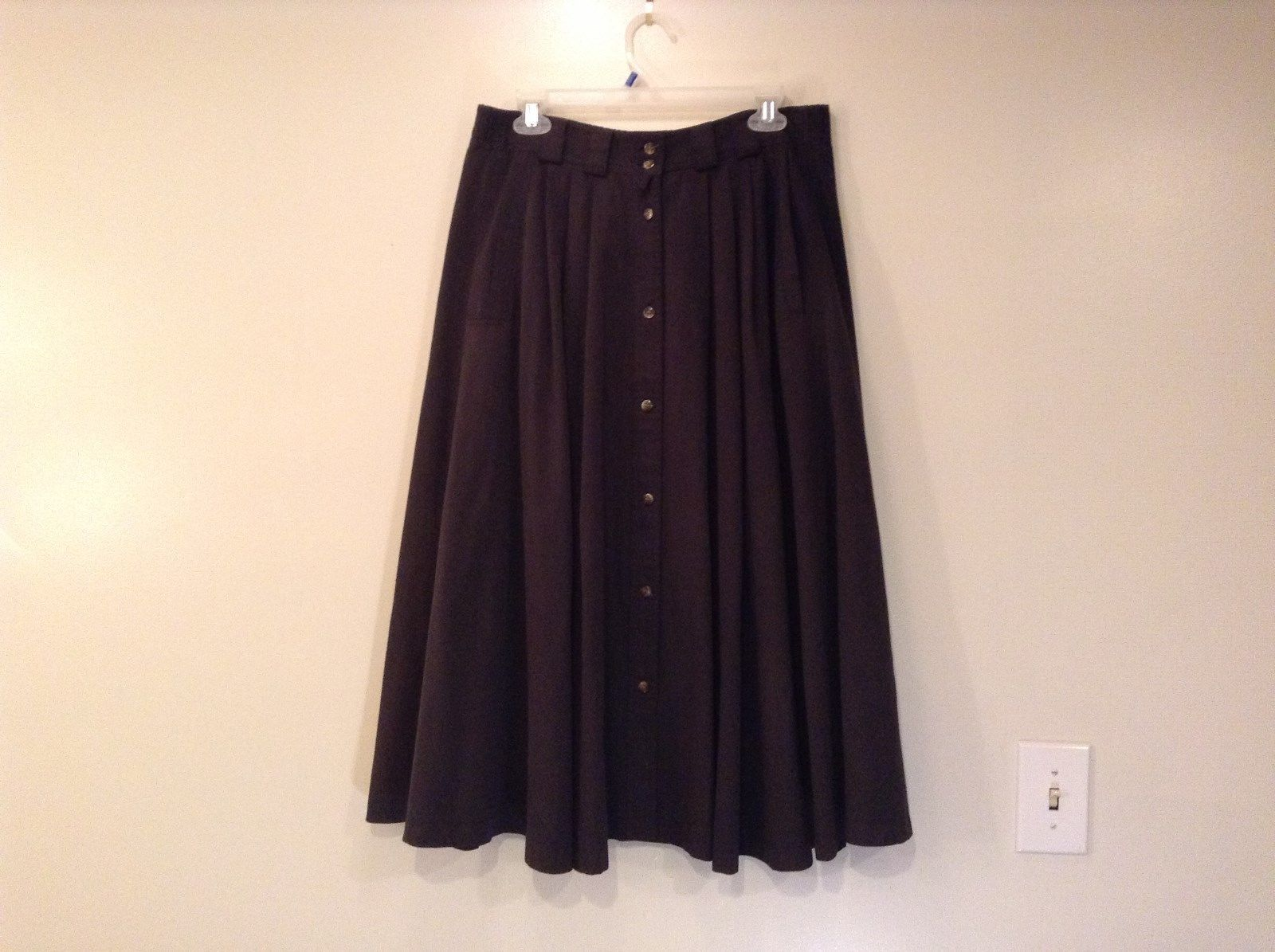 Jacobsons Dark Gray Black Skirt Pleats on Front Buttons on Front Size 10