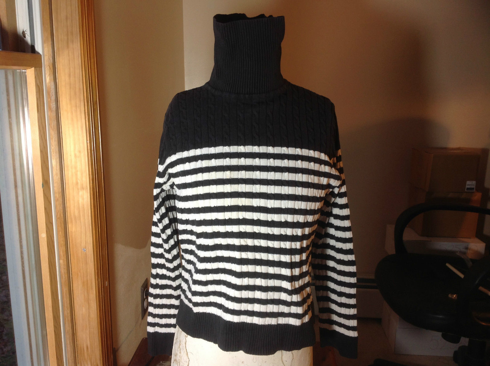 Jeanne Pierre black white striped long sleeve  sweater turtleneck size L