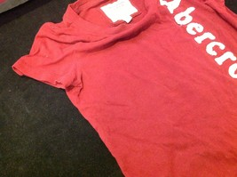 Abercrombie & Fitch short sleeve color maroon image 4