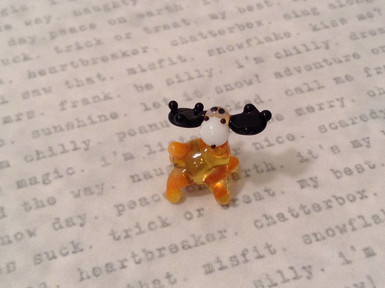 Micro miniature hand blown glass figurine USA tiny amber moose   NIB