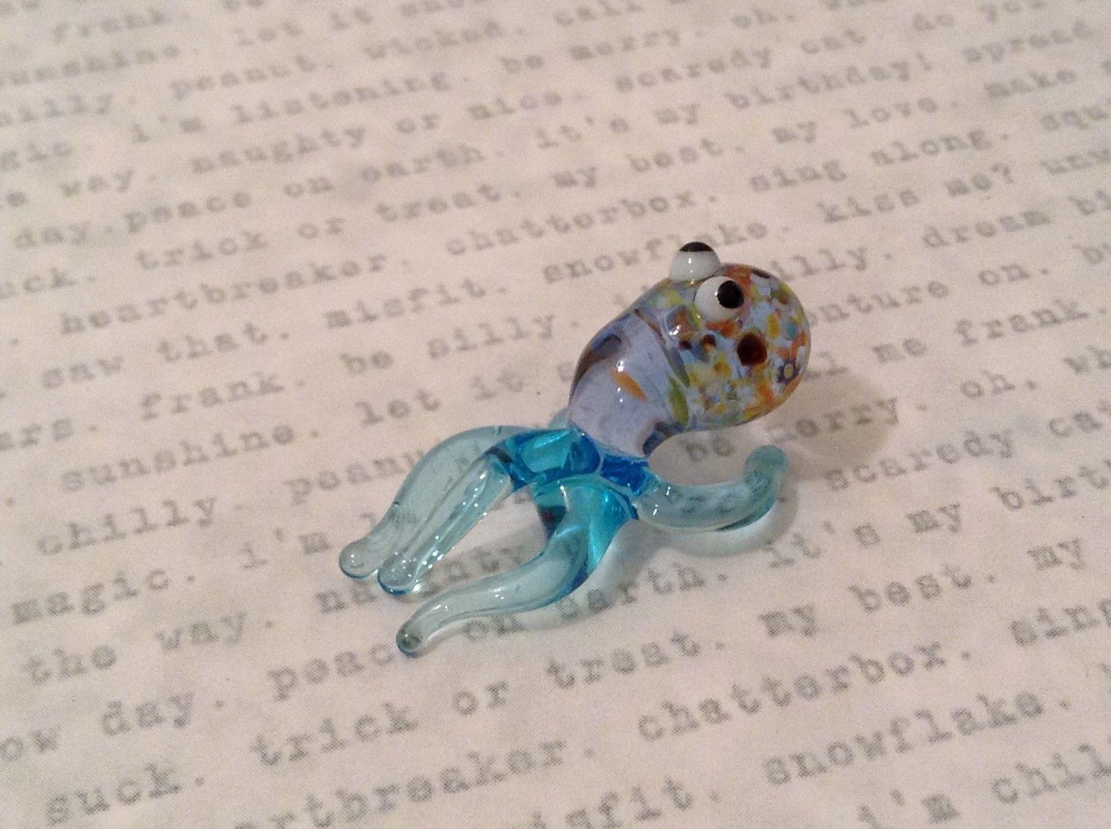 Micro miniature hand blown glass figurine USA blue speckled octopus NIB