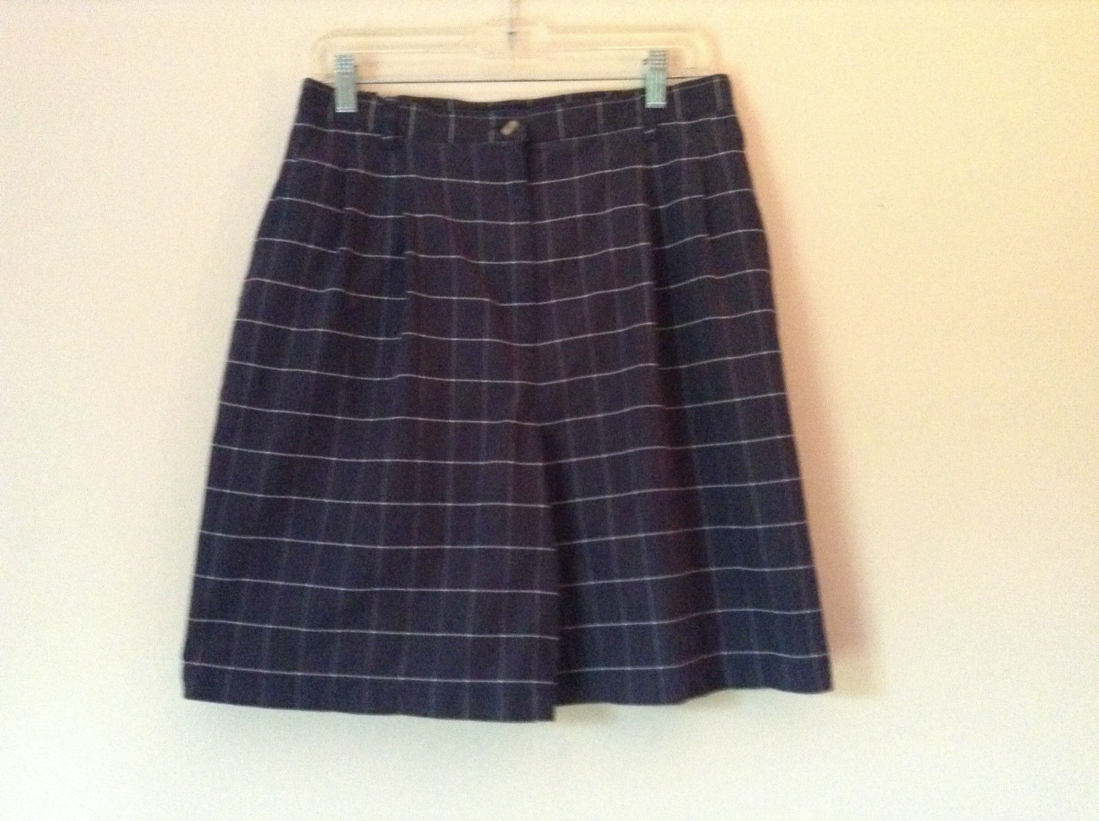 Karen Scott Plaid Dark Blue Soft to Touch Shorts 2 Front Pockets Size 14