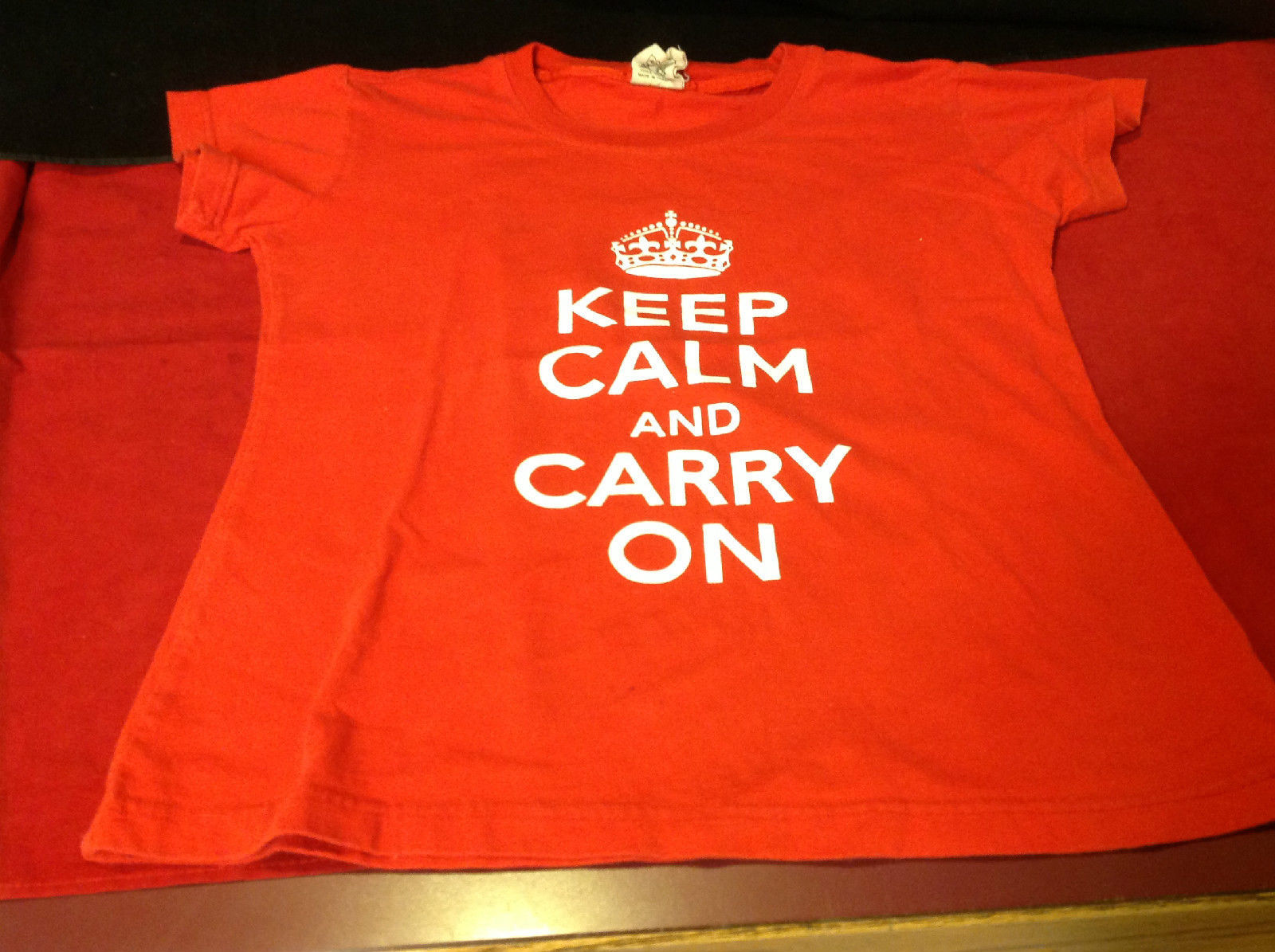 Keep Calm and Carry On Red Ladies T-Shirt Size 12