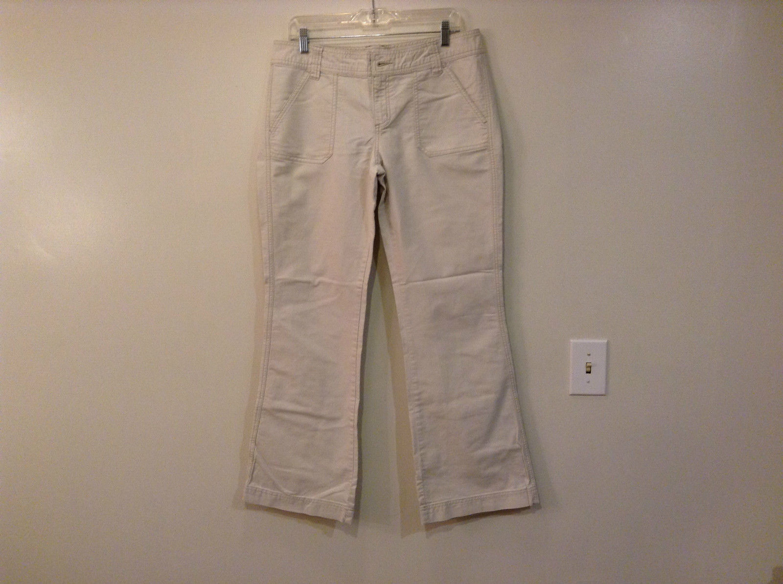 Khaki Colored Aeropostale Casual Pants Size 11 to 12 Reg Button Zipper Closure