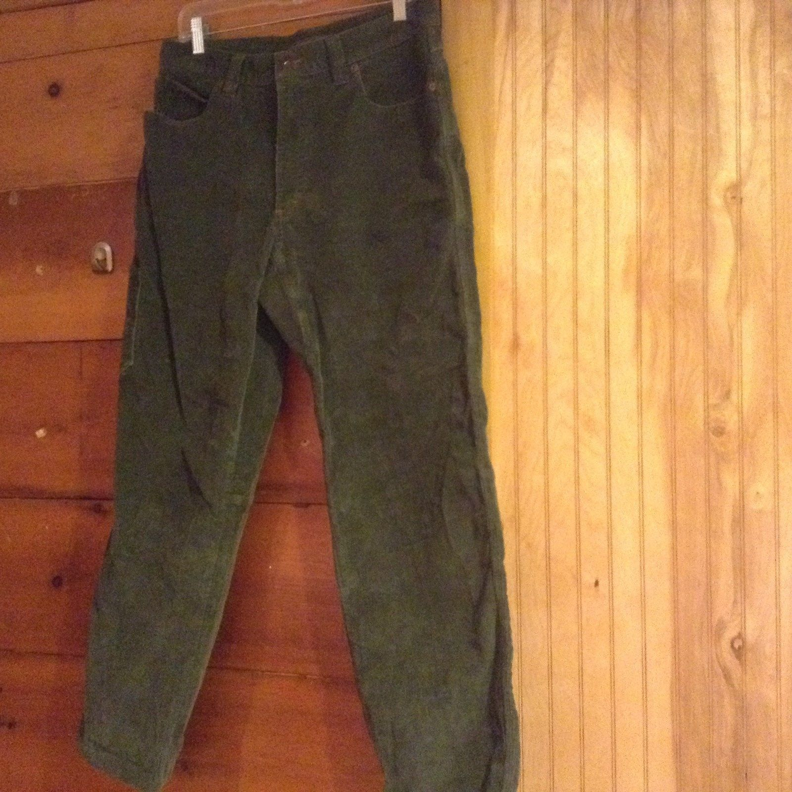 L L Bean Green Casual Pants 5 Pockets Button and Zipper Closure Size 33 by 30