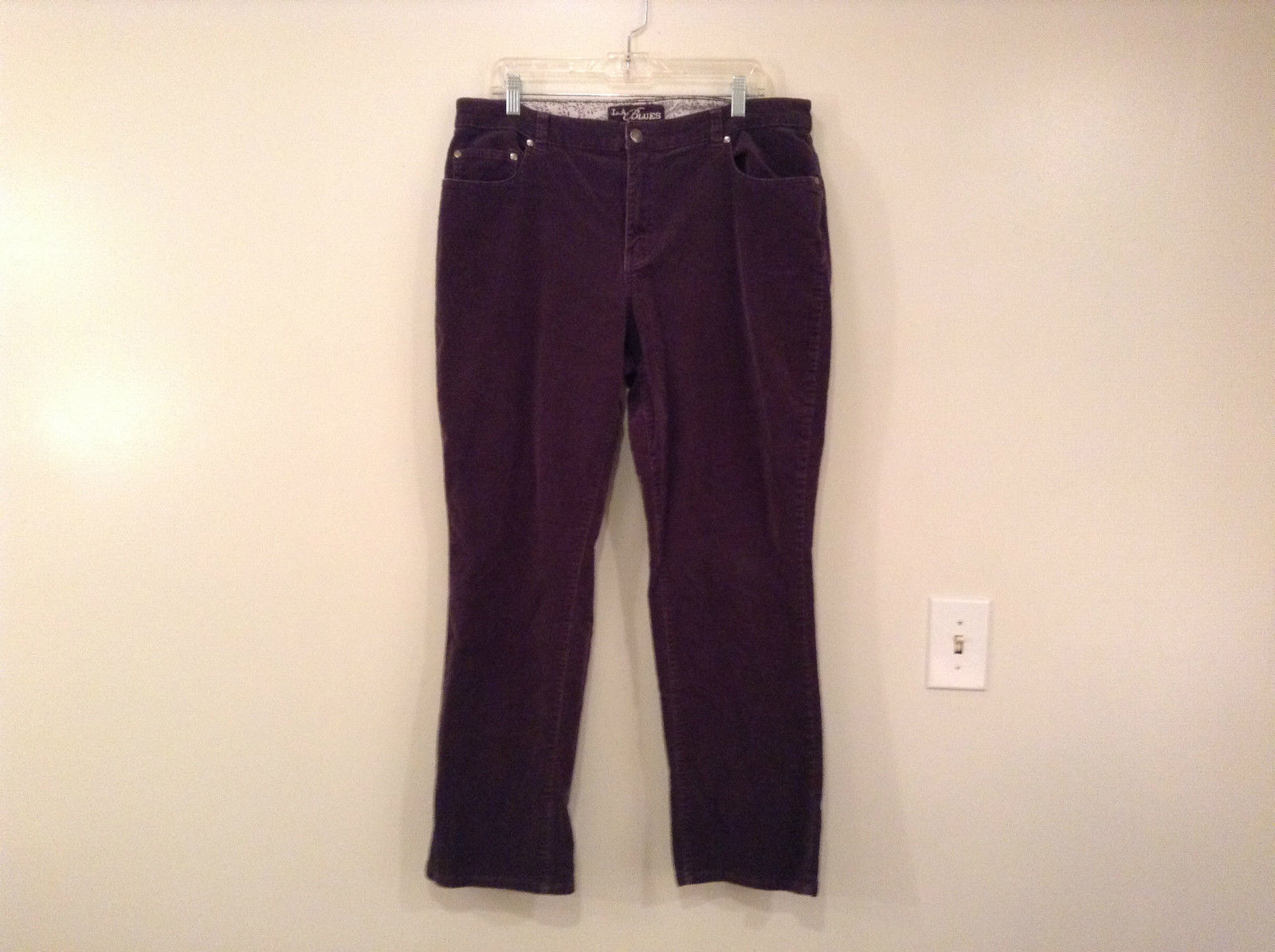 L A Blues Velvet Dark Brown Jeans Size 18W Button and Zipper Closure Pockets