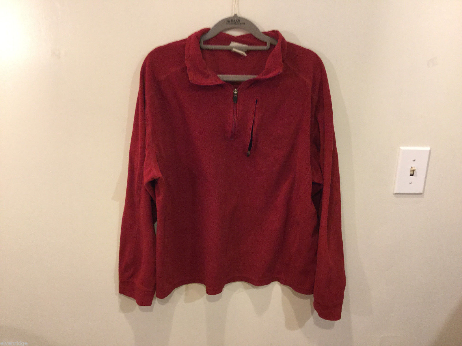 L.L.Bean Mens Fleece Red Sweater 100% polyester Zip up collar, size L