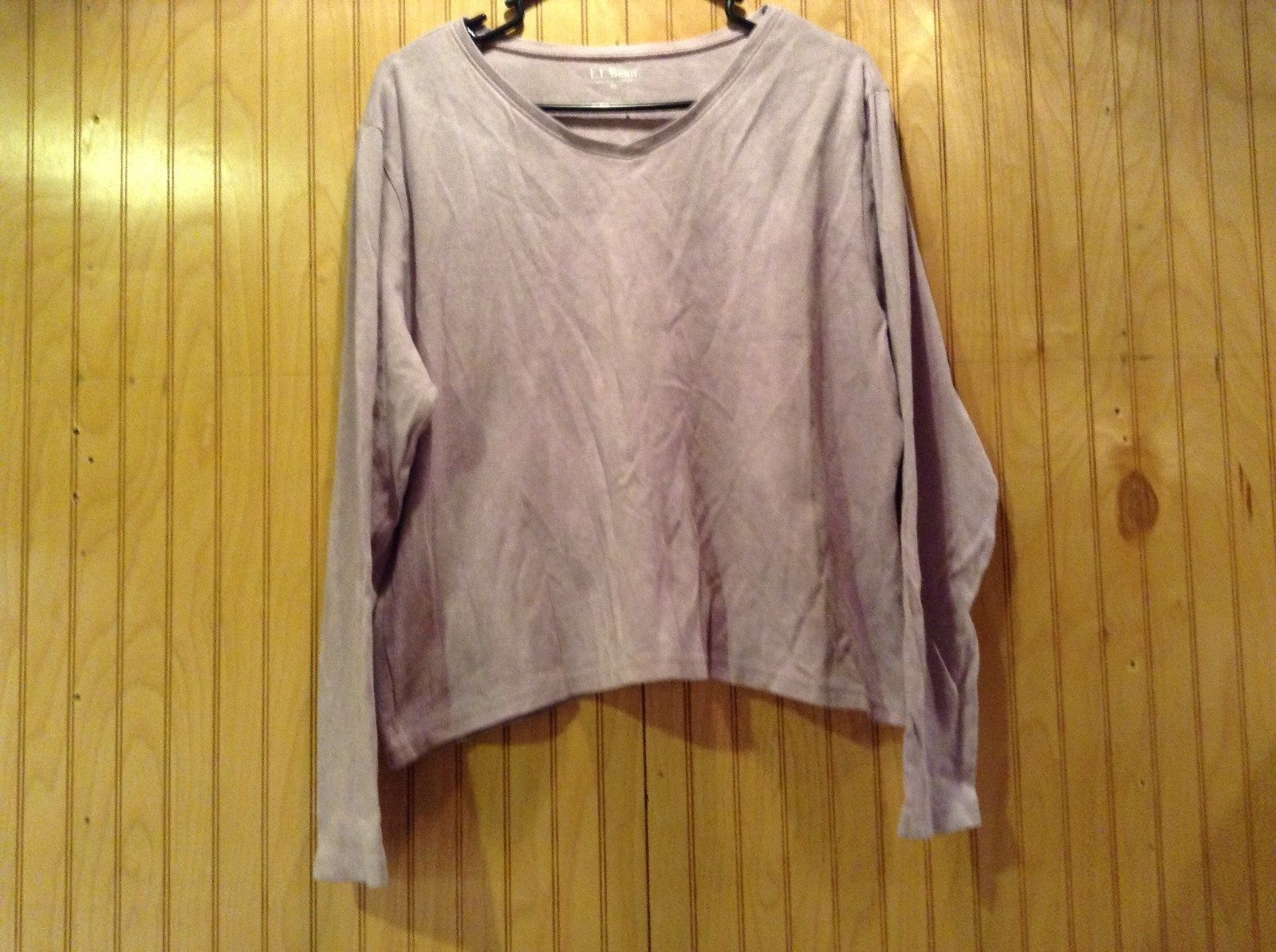 L L Bean Size XL Light Lavender Long Sleeve V Neck Shirt