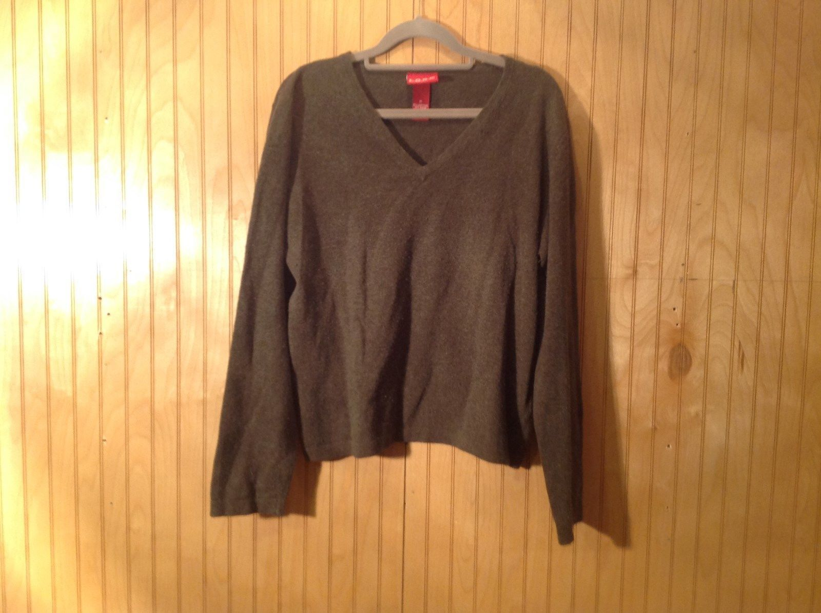 LOGG Heather Gray V Neck Long Sleeve Sweater Very Soft Size Medium