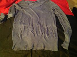 Istenssio Long Sleeve Gray V-Neck Sweater Size Medium image 3