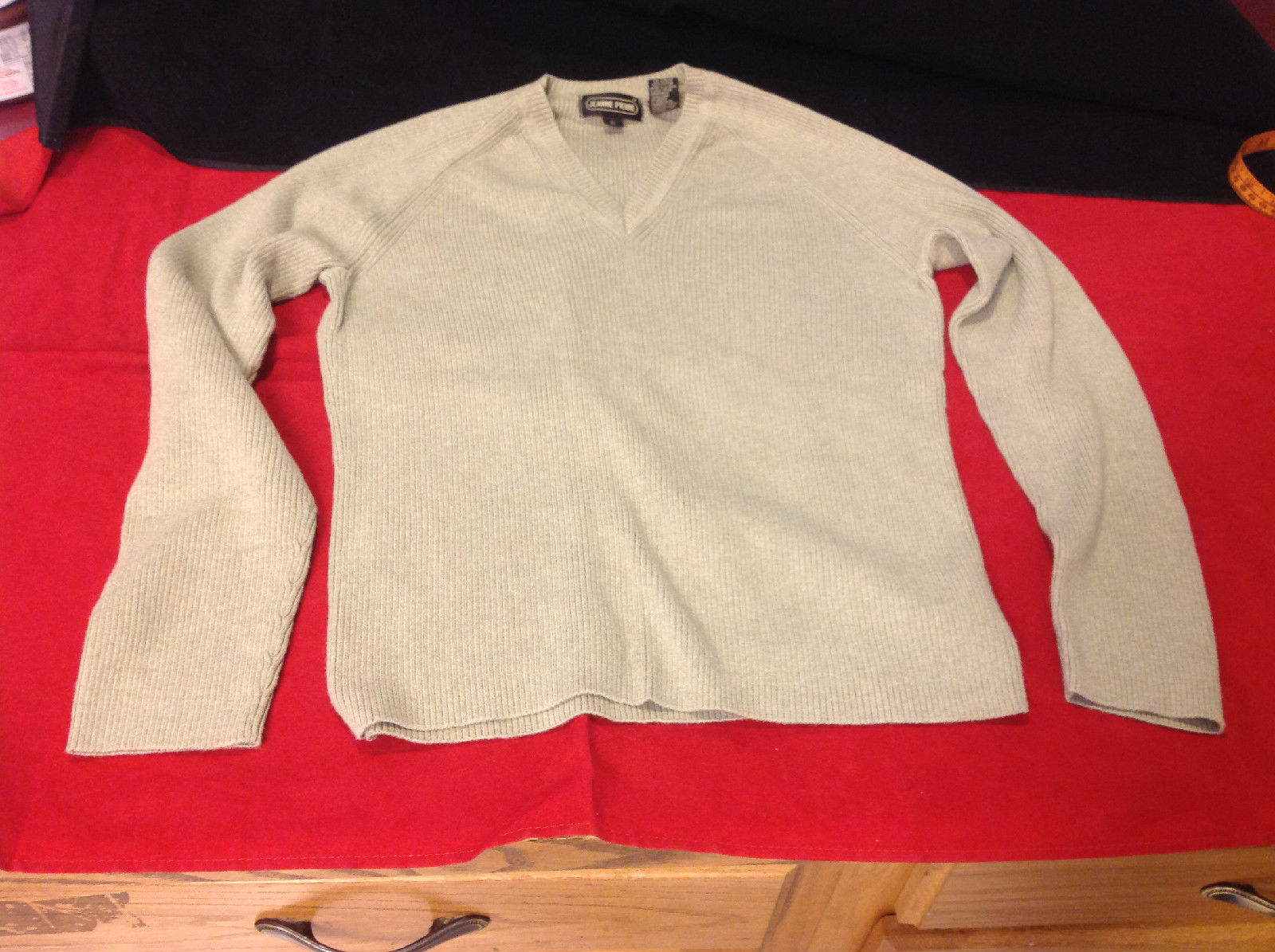 Ladies Olive Colored V-Neck Sweater by Jeanne Pierre Size Small Good Condition