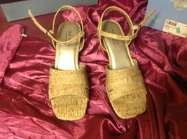 Ladies Soft Style Open Toe Cream Light Brown 3 Inch Heel Size 8 Medium