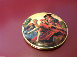 Ladies double mirrored compact with two side images renaissance scenes