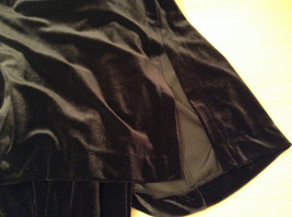 JBS Size 10 Black Velvet Dress and Attached Jacket Back Zipper Closure Very Nice image 8
