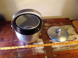 Large Metal Insulated vintage ice bucket w Handle and Lid 7 Inches High