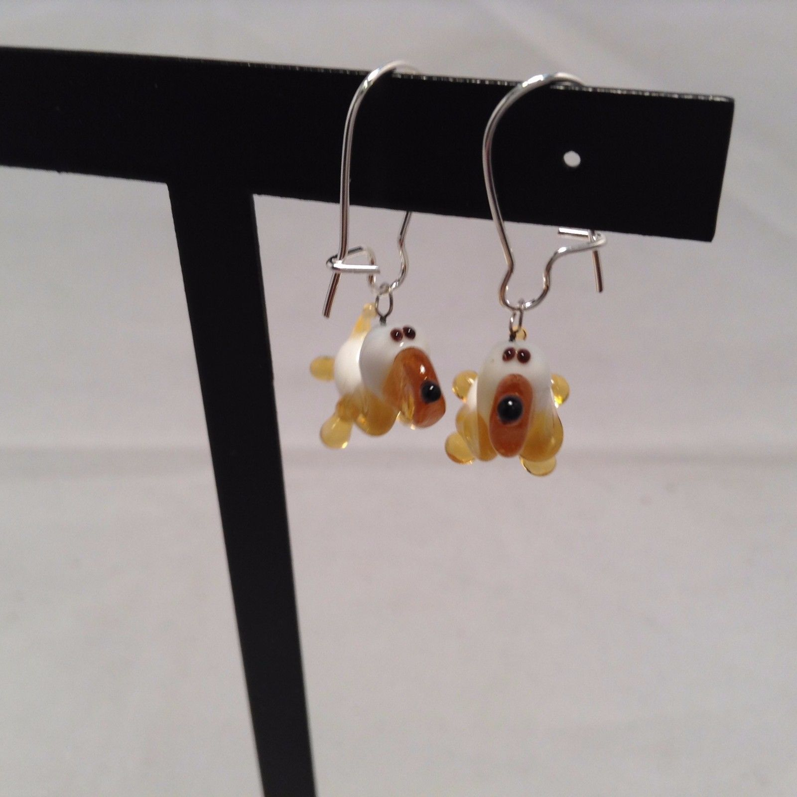 Miniature small hand blown glass made USA NIB basset hound dog earrings
