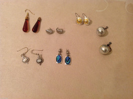 Mixed Lot of 6 pairs of earrings  on screw back vintage