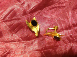 Leaf Gold Tone black stone center screw back 2 inch earrings likely onyx vintage image 1