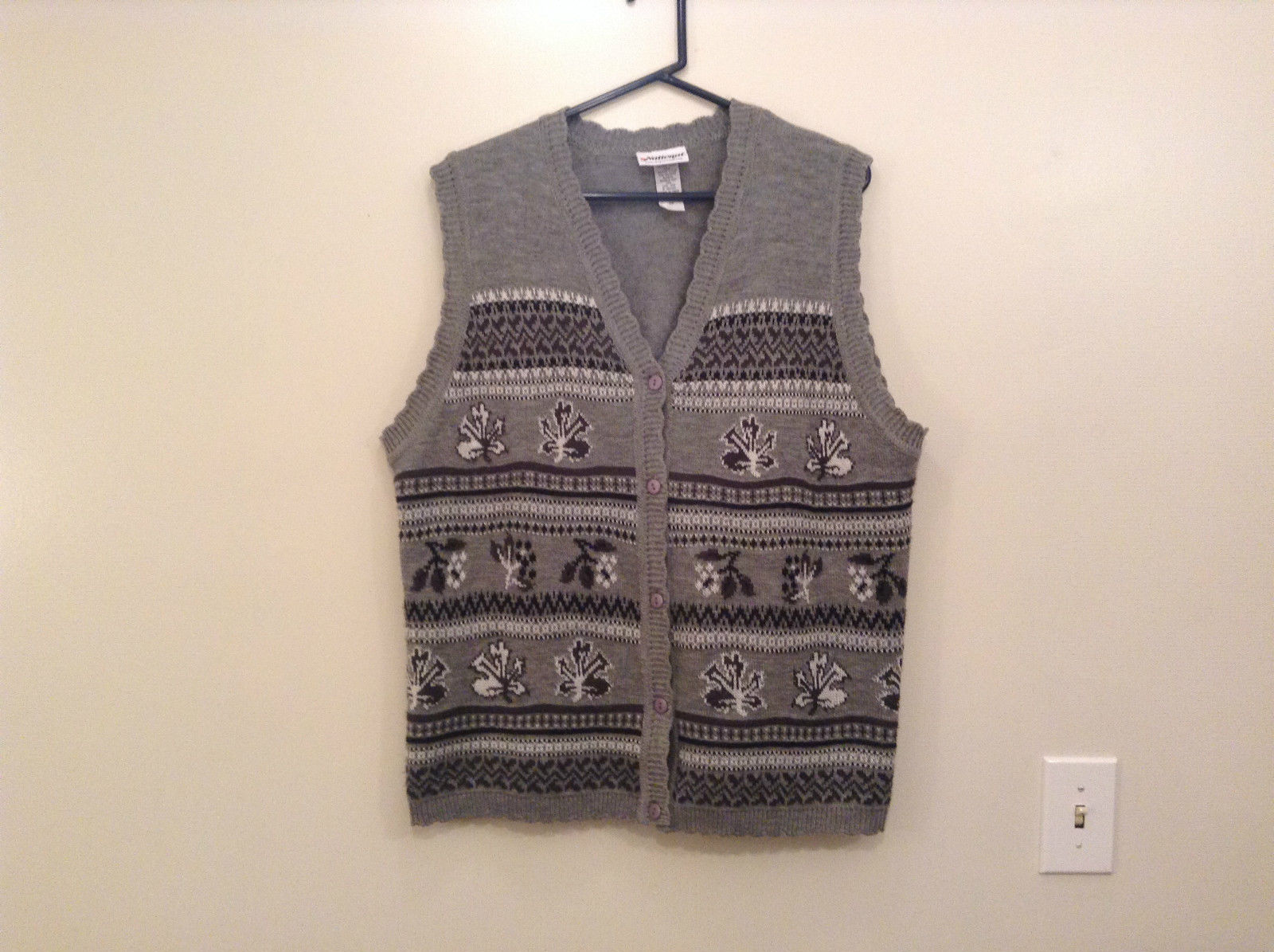 National Gray Vest Leaf Pattern Stripes Knitted V Neck Size 2X Button Closure