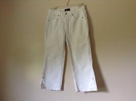 Lee Riveted Ultimate 5 White Capri Pants Size 8M image 1