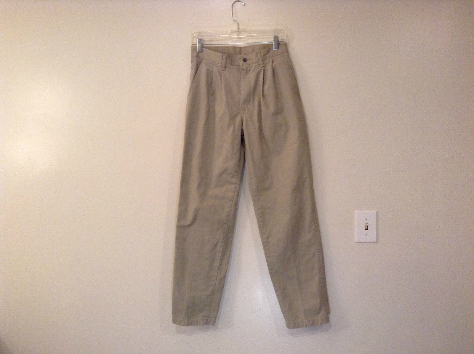 Lee Performance Khakis Pleated Front Khakis Size 30 by 34 Very Good Condition
