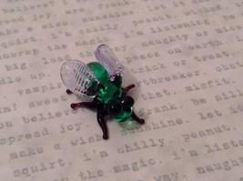 Micro miniature hand blown glass figurine USA green and black fly   NIB image 7