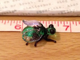Micro miniature hand blown glass figurine USA green and black fly   NIB image 8