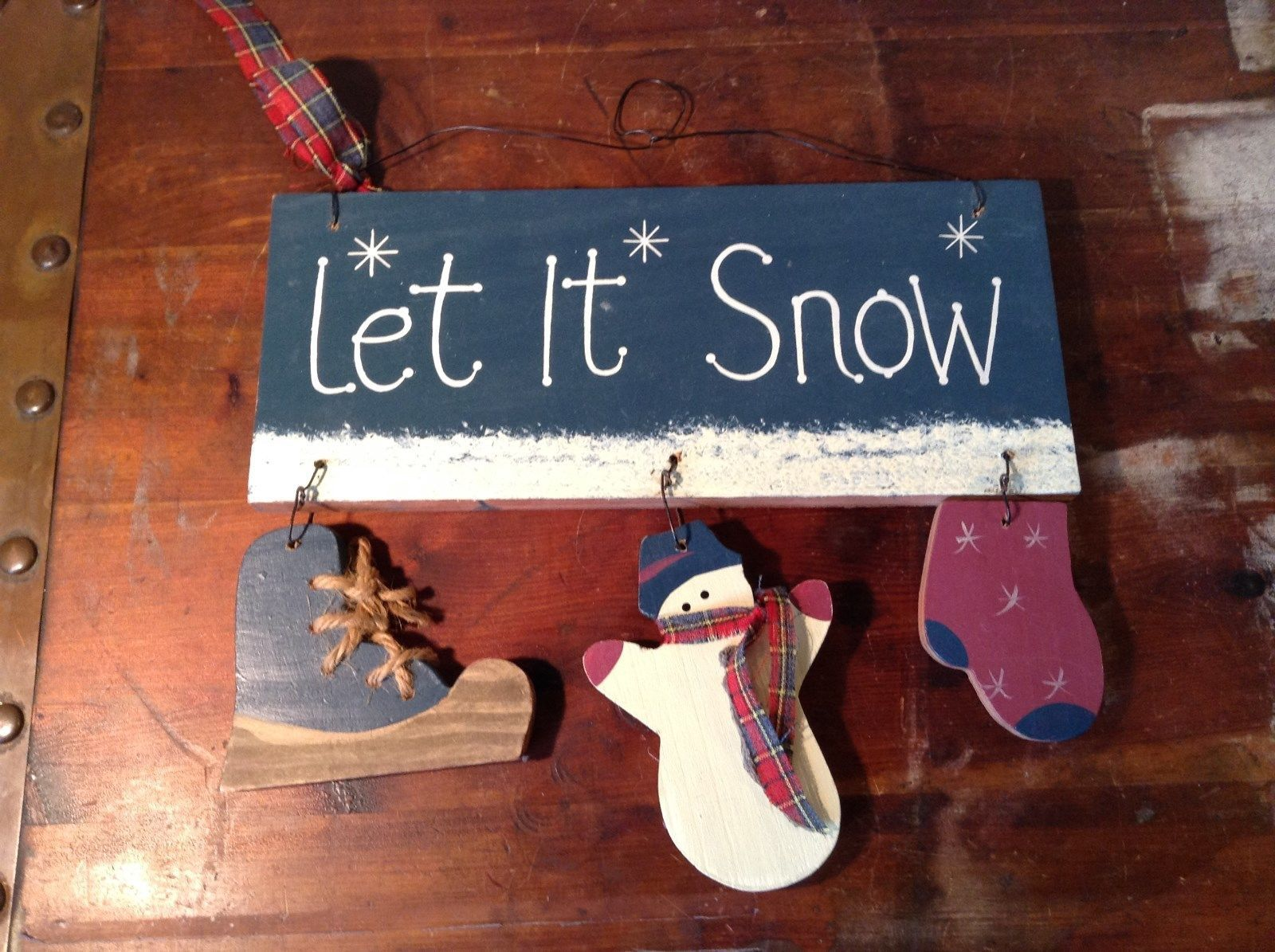 Let It Snow Wooden Wall Hanging Decoration Wooden Skate Snowman and Glove
