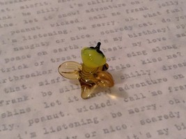Micro miniature hand blown glass figurine USA smiling yellow honeybee NIB image 3