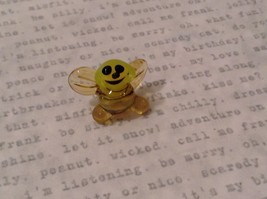 Micro miniature hand blown glass figurine USA smiling yellow honeybee NIB image 6