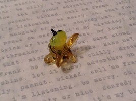 Micro miniature hand blown glass figurine USA smiling yellow honeybee NIB image 4