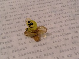 Micro miniature hand blown glass figurine USA smiling yellow honeybee NIB image 5