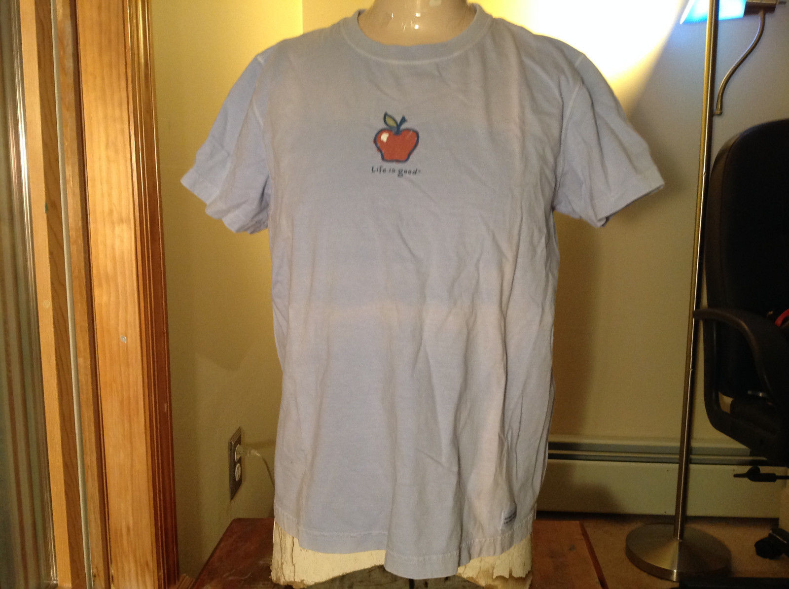Life is Good Light Blue Life is Good Apple Short Sleeve Shirt Size Medium