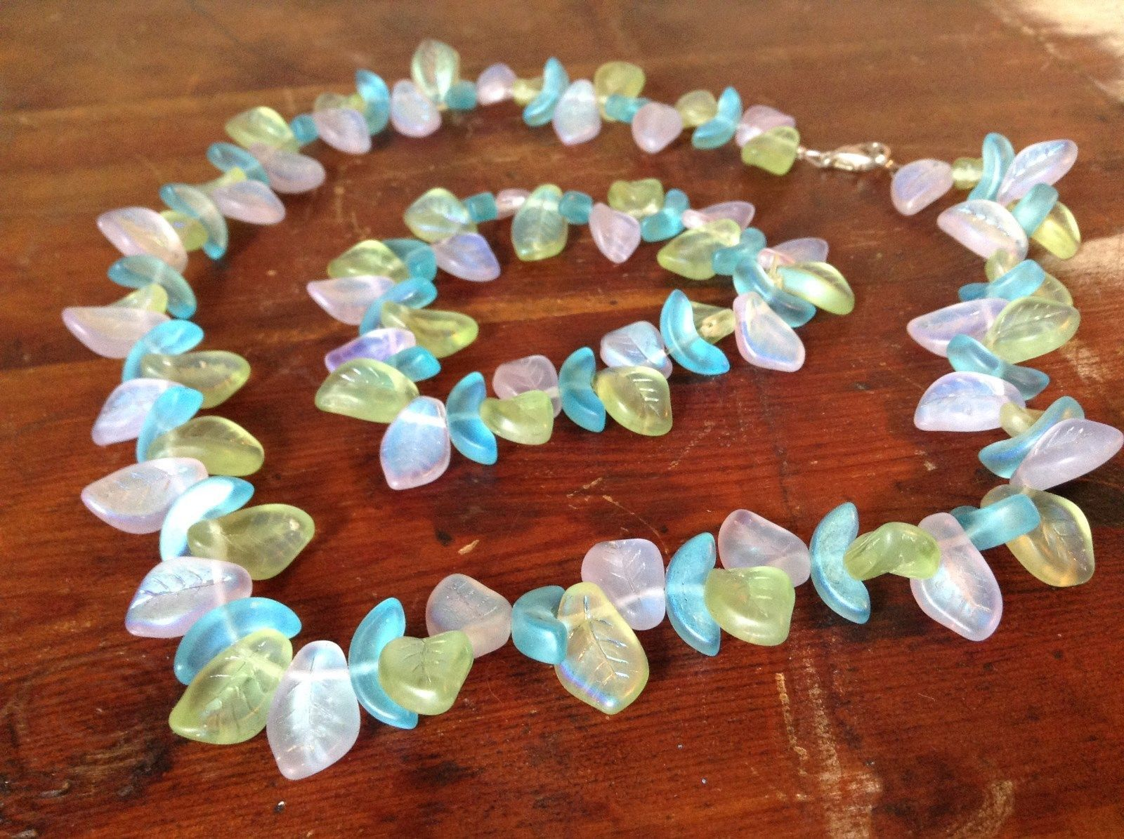 Light Blue Green Necklace and Bracelet Set with Leaf Pattern Glass Stretchy