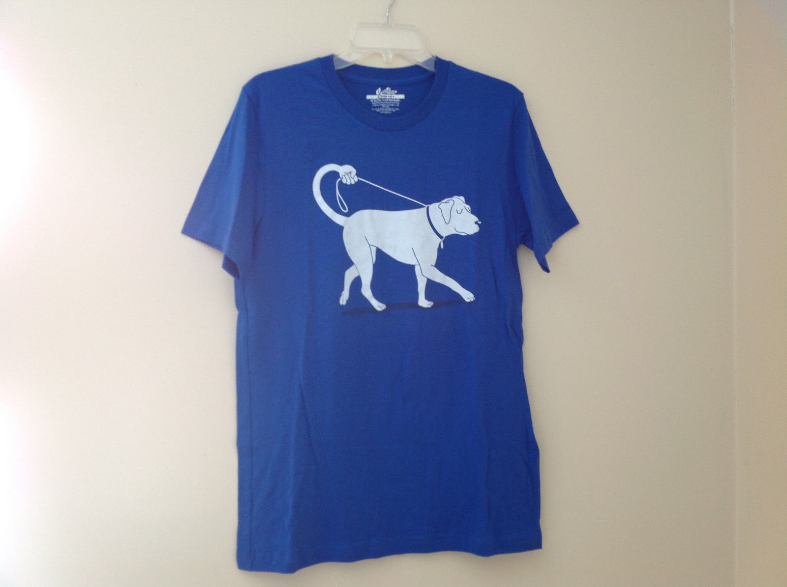 New Blue Dog walk Design Graphic Short Sleeve T-Shirt Size choice M or L