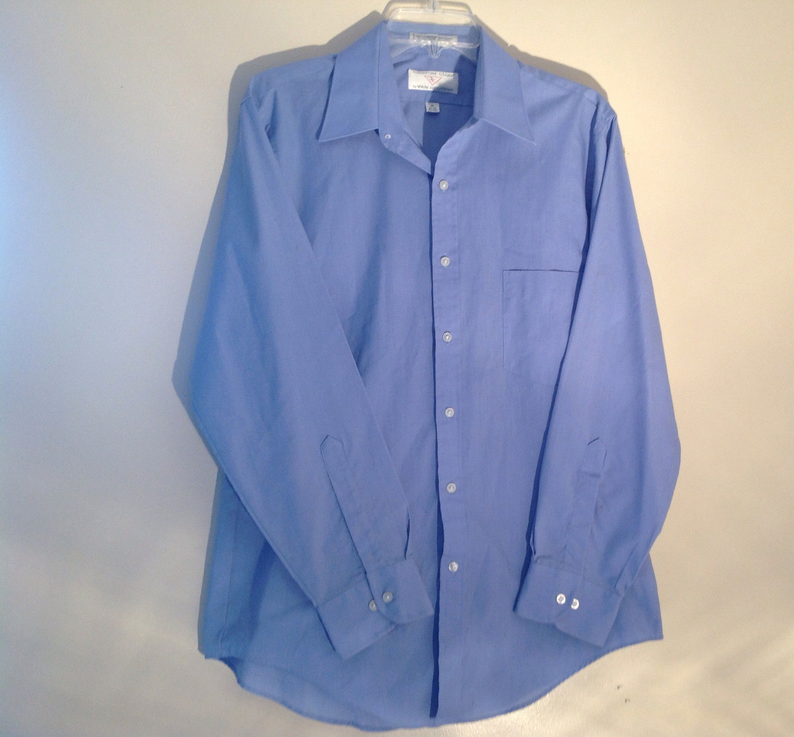 Light Blue Van Heusen Collared Button Up Dress Shirt Pocket on Chest Size 16