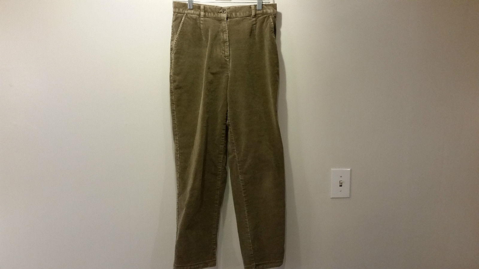 Light Brown Casual Pants Size 8 L L Bean Side Pockets One Back Pocket Belt Loops