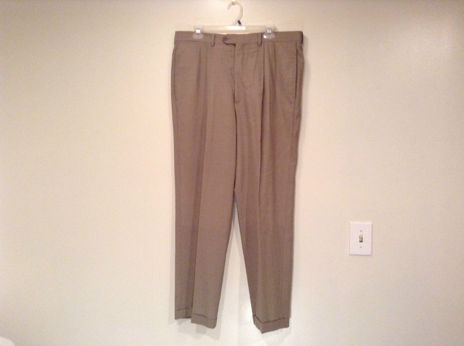 Light Brown Beige Plaid Pleated Front Dress Pants NO TAGS Measurements Below