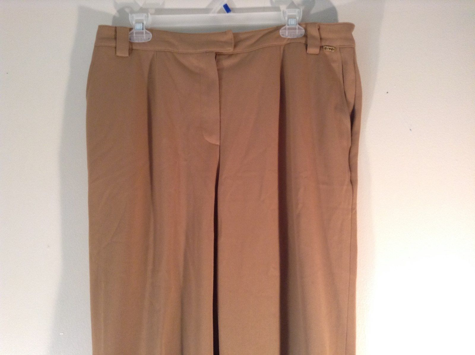 Light Brown Slightly Elastic Synthetic Blend St Johns Sport Pants Size 14